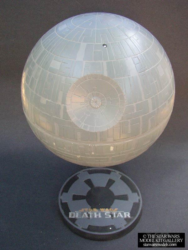 Death Star 1/520,000 Plastic AMT/ERTL Model Kit - starwarsmodels com